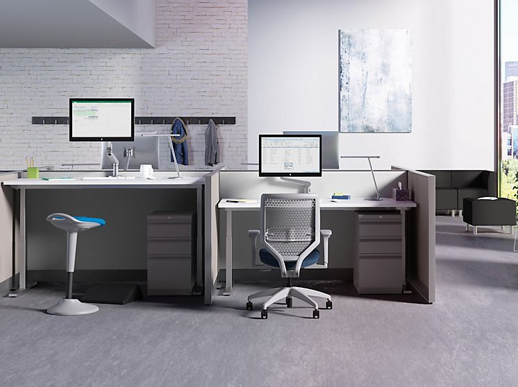 White worksurfaces and standing and sitting height