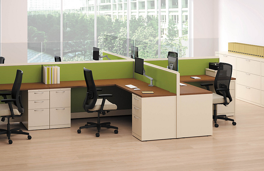 Flagship storage units with desk system