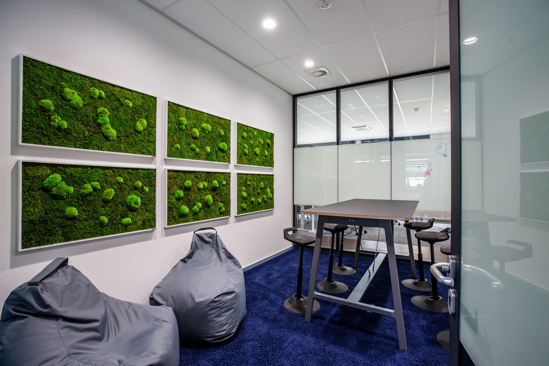 Roche meeting room can be booked with Signify Interact Office space management app