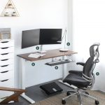 "Humanscale 5 essential components for a ""perfect"" workstation"