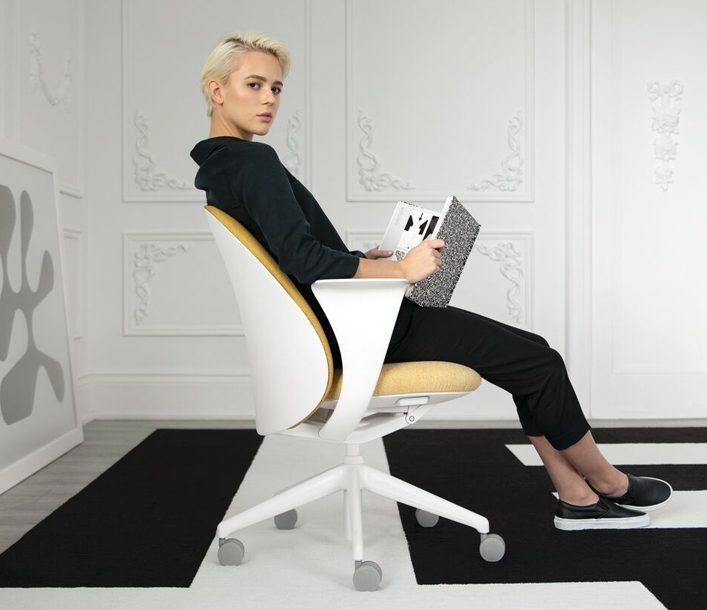 Teknion Essa task chair